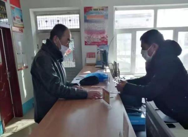 吉林珲春:为抗疫 六旬老人捐出打工全部积蓄